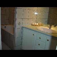Salle de bain d'une chambre d'hôtel